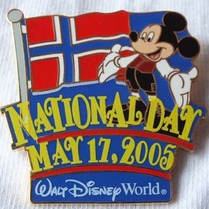 Disney Pin Mickey Mouse Norway National Day LE